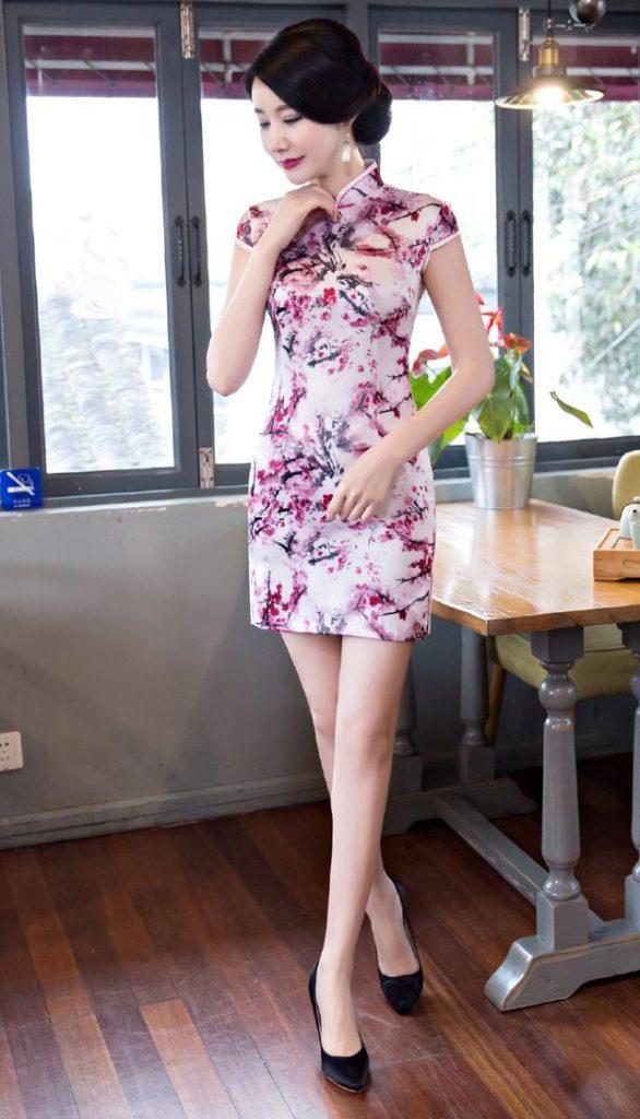 Short cheongsam dress with Plum blossom