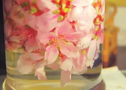 Peach blossom wine